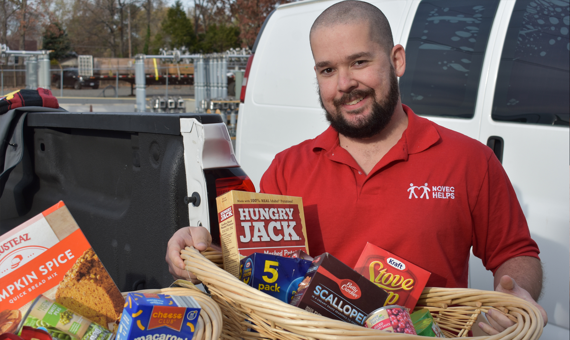 NOVEC HELPS Donating Food